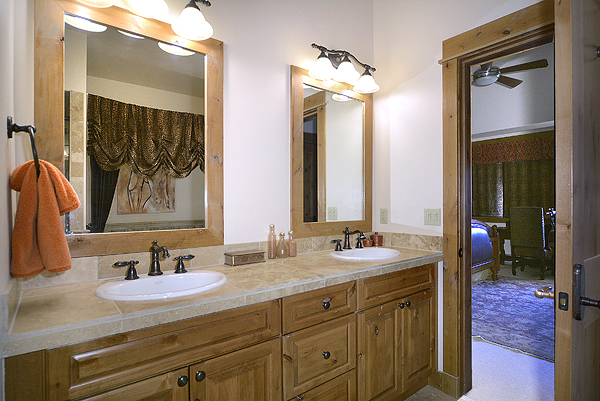 11 Stetson Master Bathroom