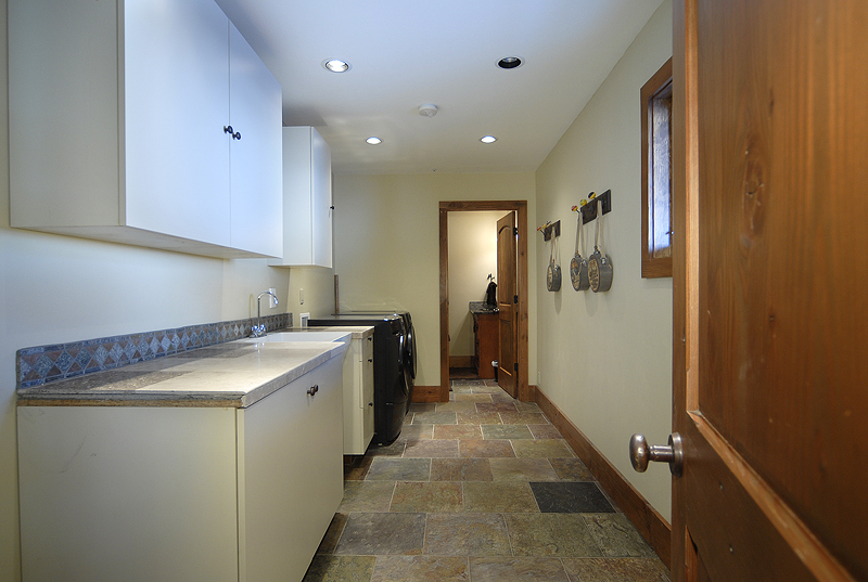 42 Buckhorn Laundry Room