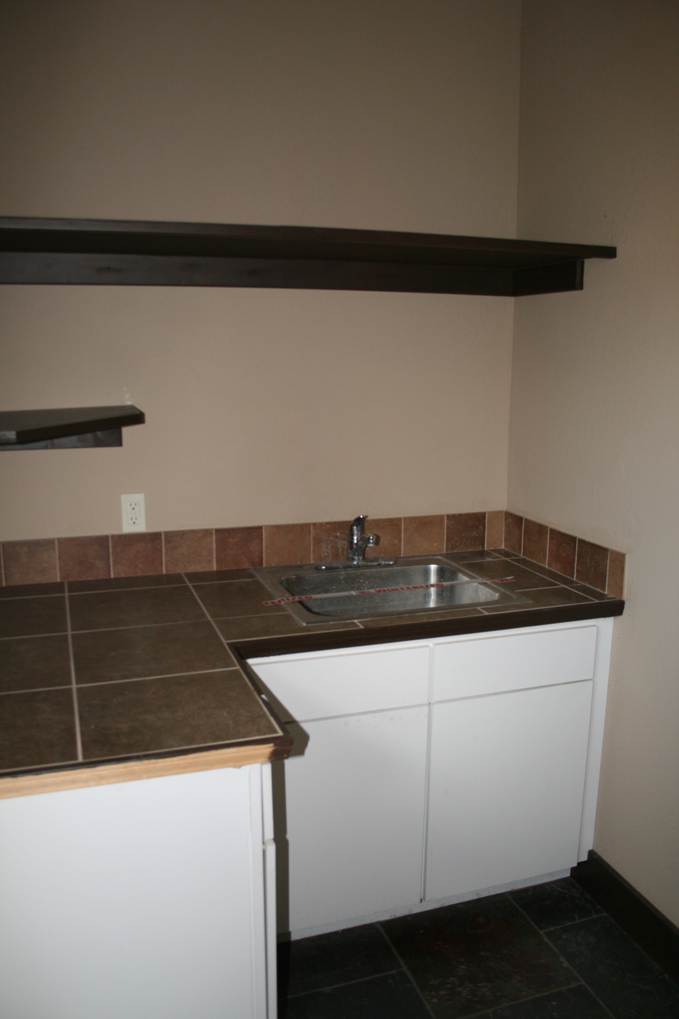 660 Lower Highlands- Laundry Room