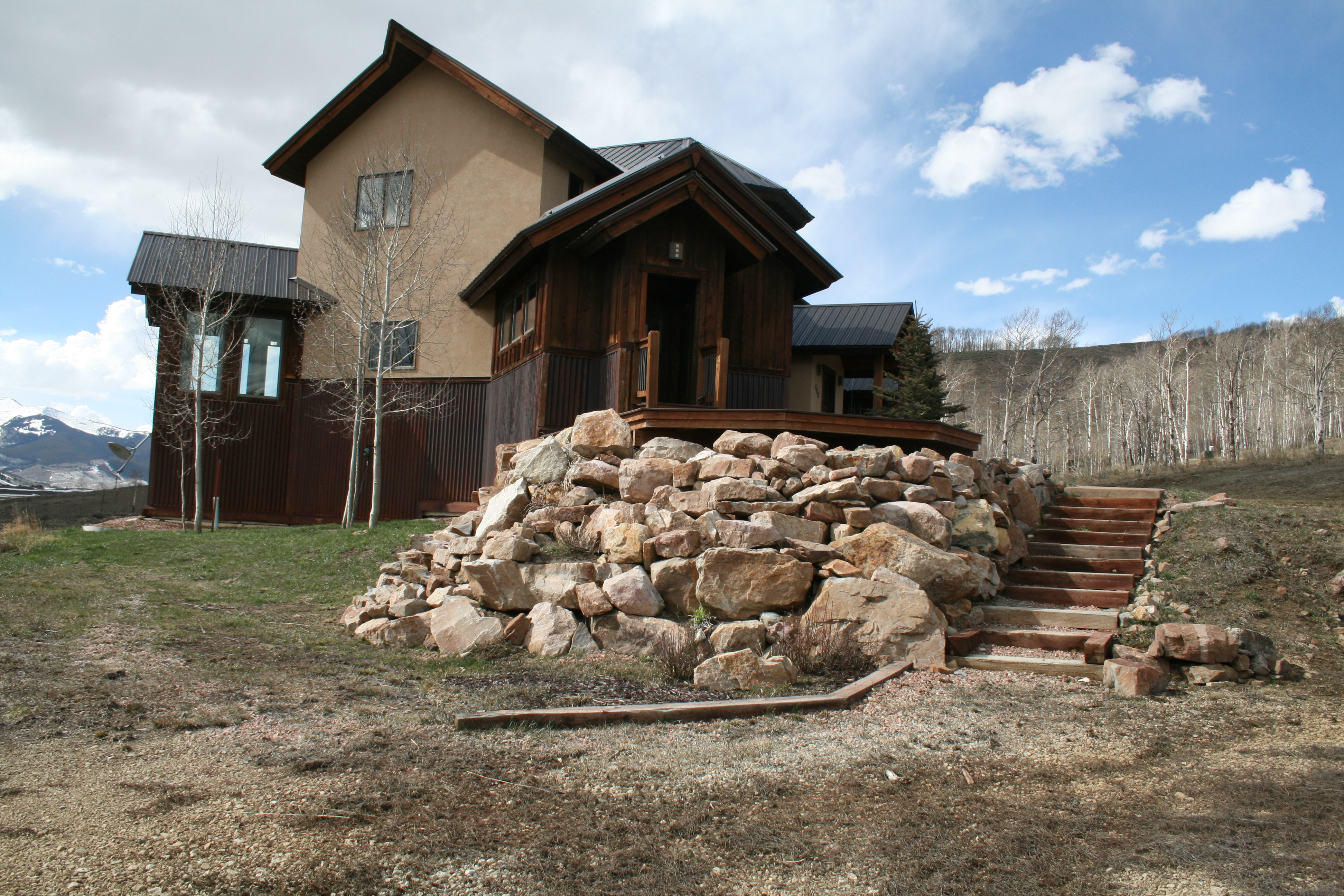 660 lower highlands house in crested butte with acreage